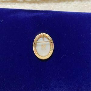 Lenox Jewelry - Lenox 14KGF Mistletoe Pin/Pendant 🎄🌹✨